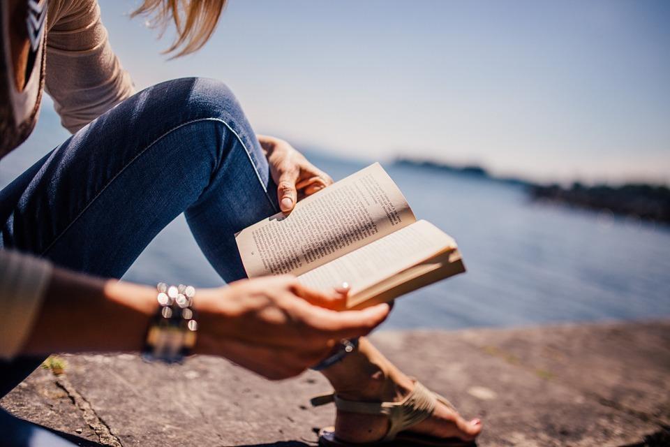 あなたの人生がさらに輝くよう本を3冊オススメします 一生でたったこの3冊だけでいい、そんな本のオススメです イメージ1