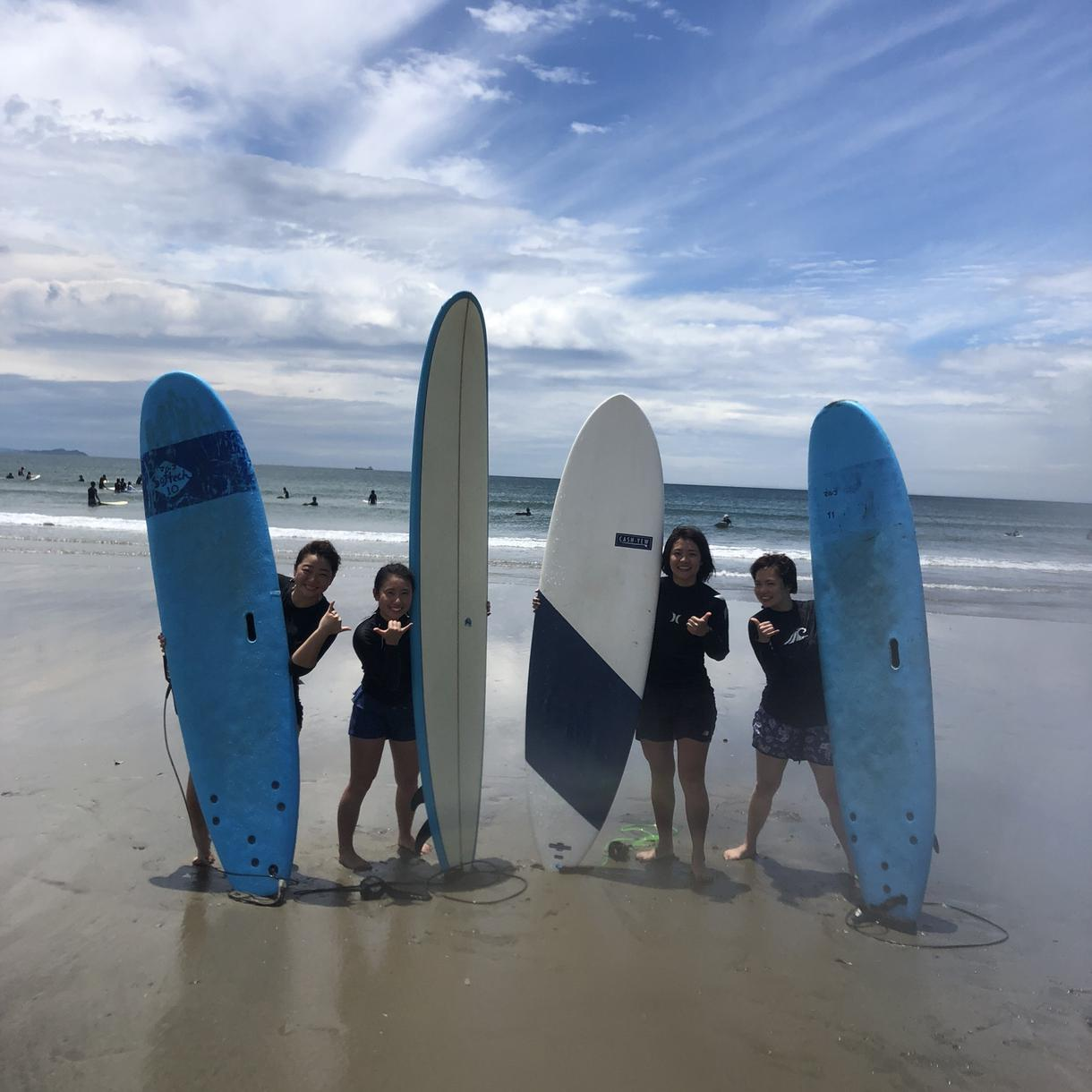 サーフィン教えます、初心者〜ビギナーまで教えます サーフィン教えます、他には無い教えで即乗り出来ます。
