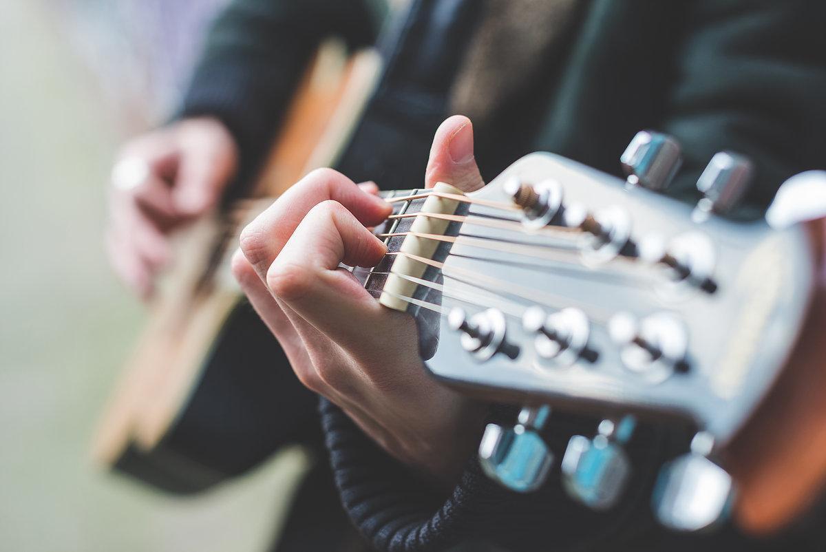 ギター弾き語り用の楽譜を書きます 弾いてみたい曲があるけど楽譜がなくてお困りのあなたへ…!