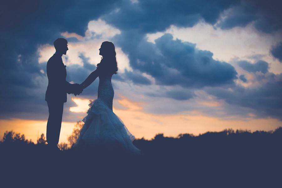 プロの動画編集カメラマンが提供します 動画コンテンツyoutube結婚式ムービー等