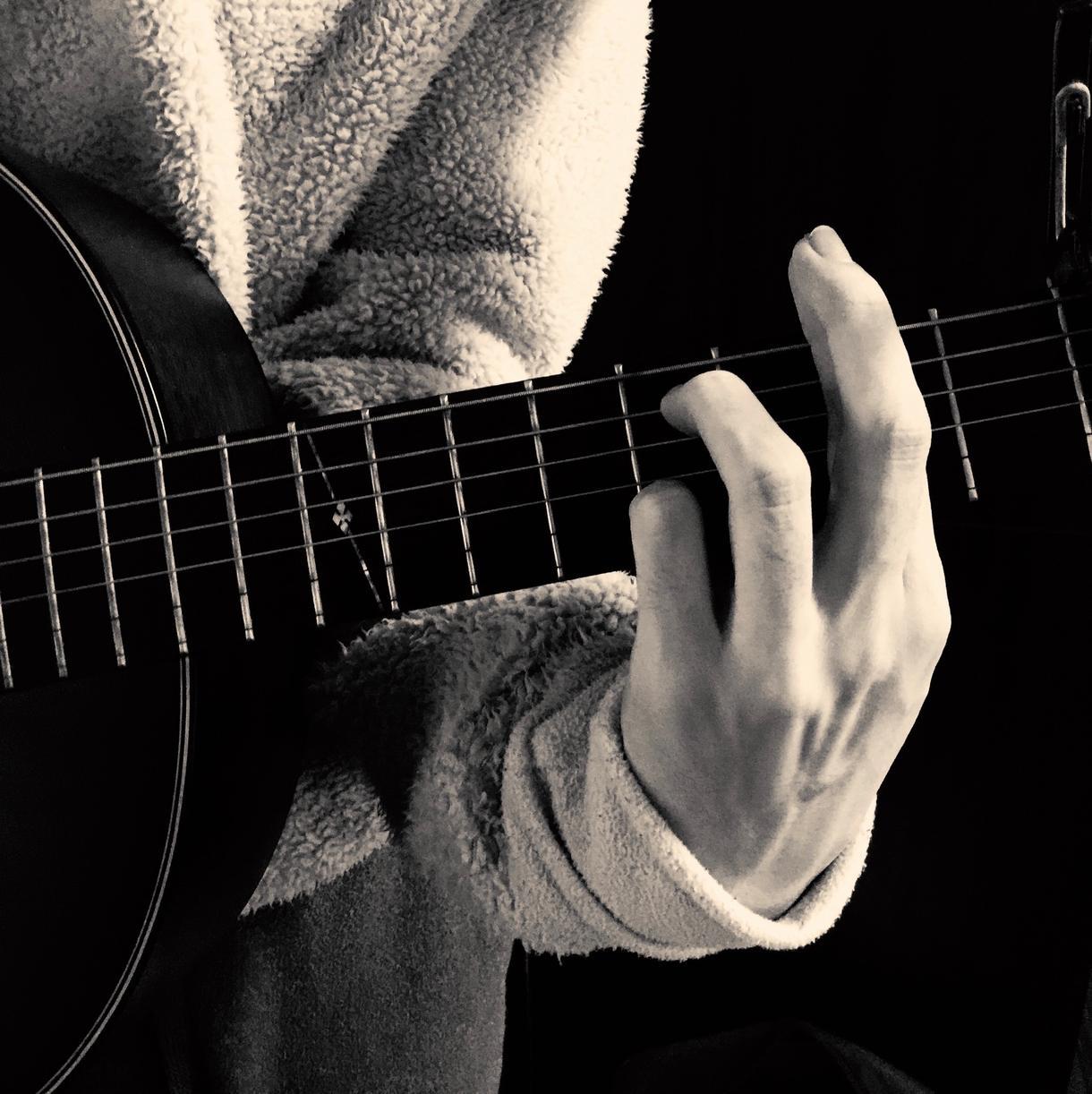 ギター初心者限定!好きな曲の弾き方を教えます コードの押さえ方、ストロークパターンを添付でより的確に イメージ1