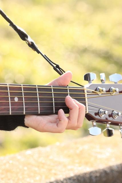 既存曲のギターの弾き方を教えます youtube等のギター動画で弾き方のわからない部分がある方