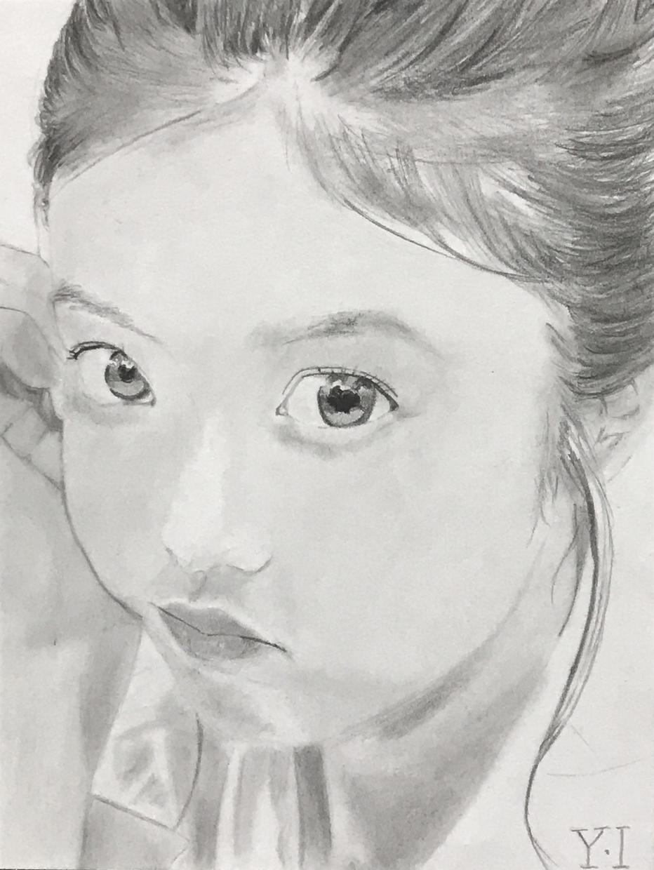ポストカードサイズの似顔絵(鉛筆画)描きます ポストカードサイズのケント紙に鉛筆のみ使用で似顔絵を描きます