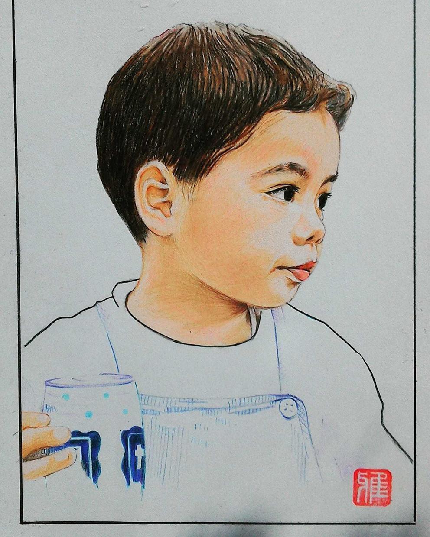 写真を元に人物の似顔絵を描きます 色鉛筆で厚手のケント紙に描きます。 イメージ1