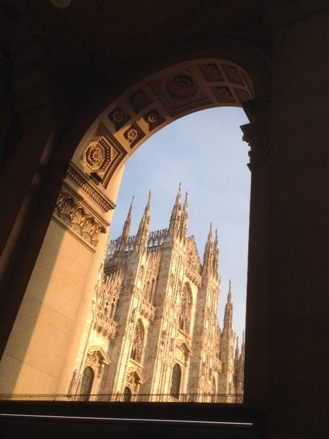 イタリア・ミラノ 写真撮影します  イメージ1