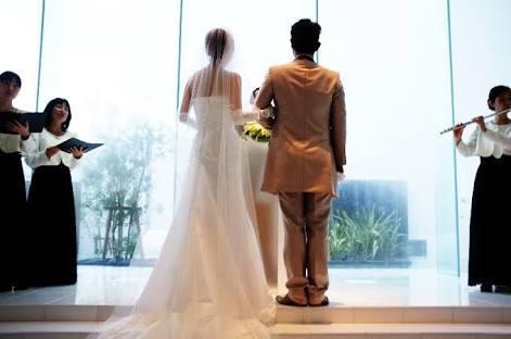 結婚式や同窓会に!超感動する動画制作承ります 低コストで高クオリティーを望むならお任せください。