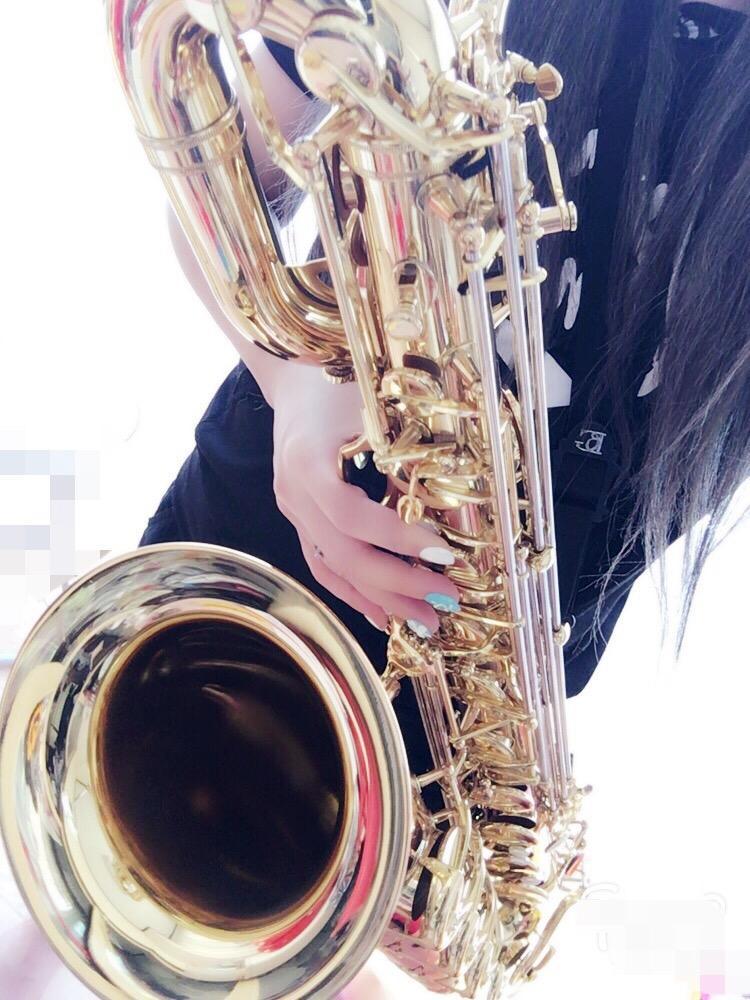バリトンサックスであなた様の好きな曲を吹きます サックス吹奏楽が