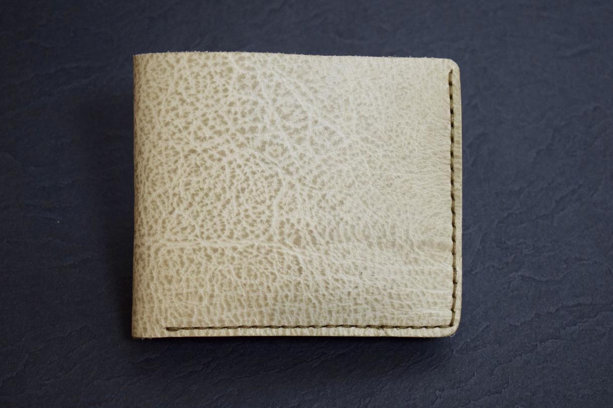 オーダーメイドの革製品の製作をします 革の素材や形などご相談に応じた革製品のオーダーメイド