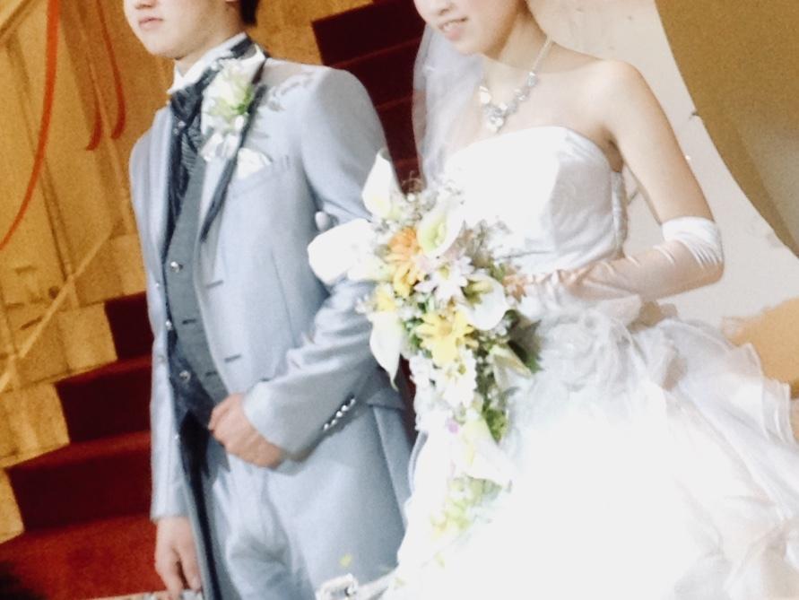 家族や友達、恋人へのサプライズムービーを作ります 結婚式や誕生日など様々なサプライズシーンでおすすめです!