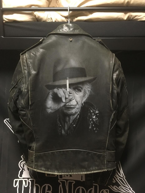 写真のようなリアルなアートをお届けします お気に入りのジャケットを世界で一つしか無いものに仕上げます。 イメージ1