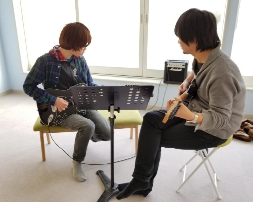 初心者向けのギターレッスンをします ギターが弾けるようになりたい方を全力でサポート致します