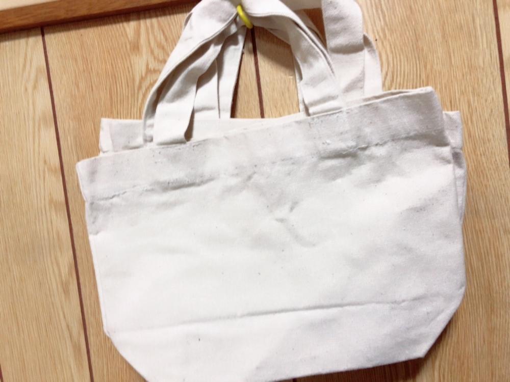 オリジナルバッグ描きます 誰かのプレゼントに他の人とは被りたくないって方に