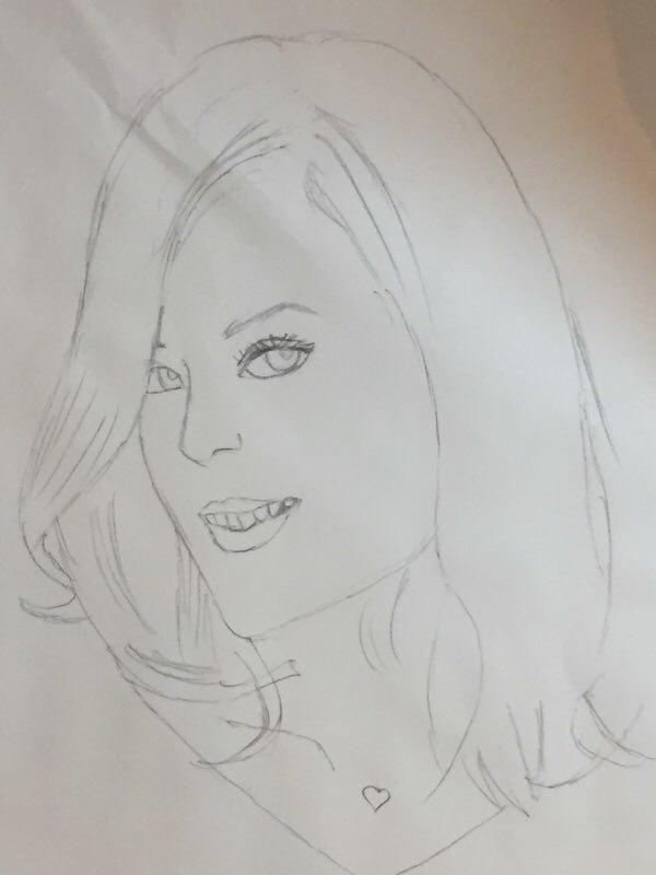 女性の似顔絵を描きます 顔の特徴をとらえてシンプルに可愛く表現できます。