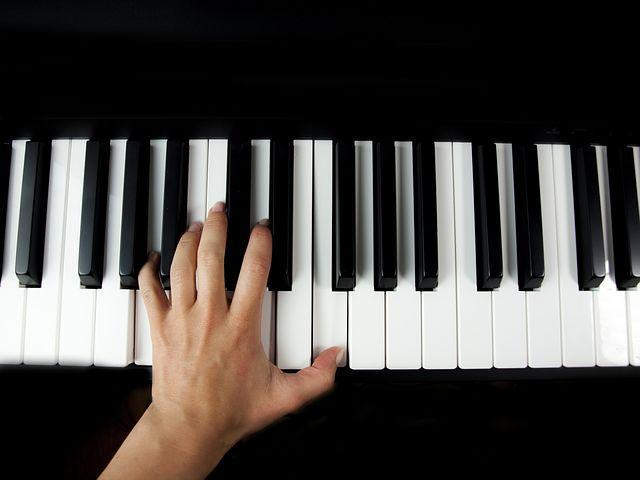 CMソングYouTube,BGMなど作曲編曲します 何かの映像に音楽がつけたいあなたへ