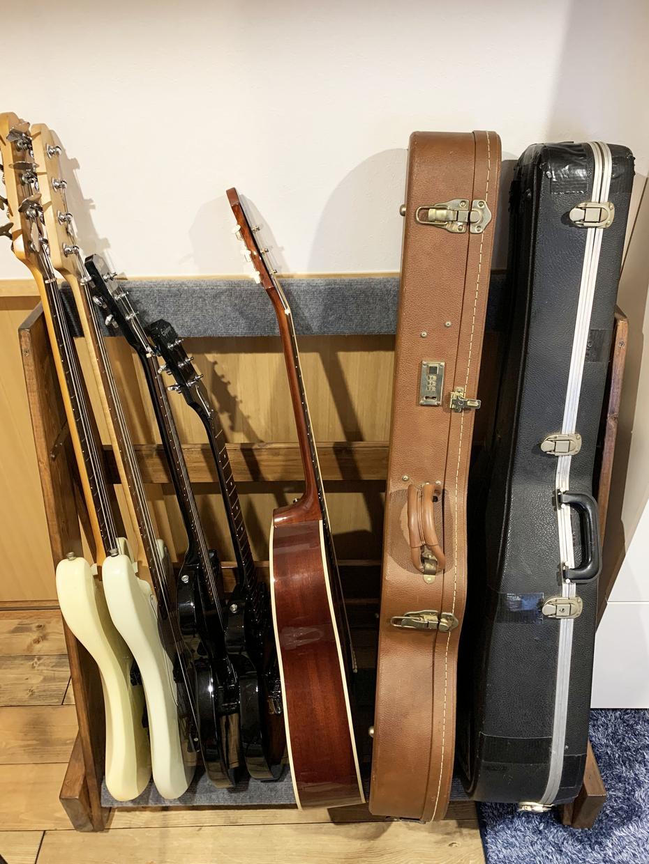 木製ギタースタンド制作します アメリカンな仕様/重厚感ある木製ギタースタンドを制作します。