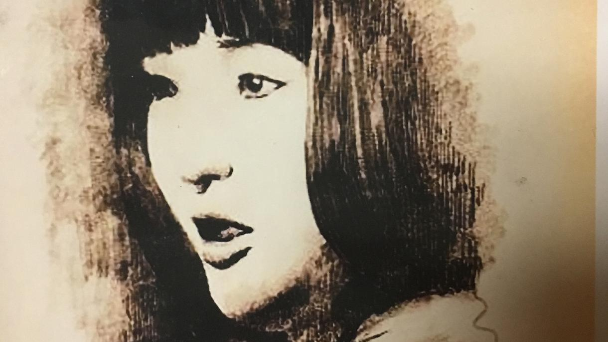 ペン画でちょっとリアルな似顔絵描きます 武蔵野美術大学卒業。絵画教室講師です。