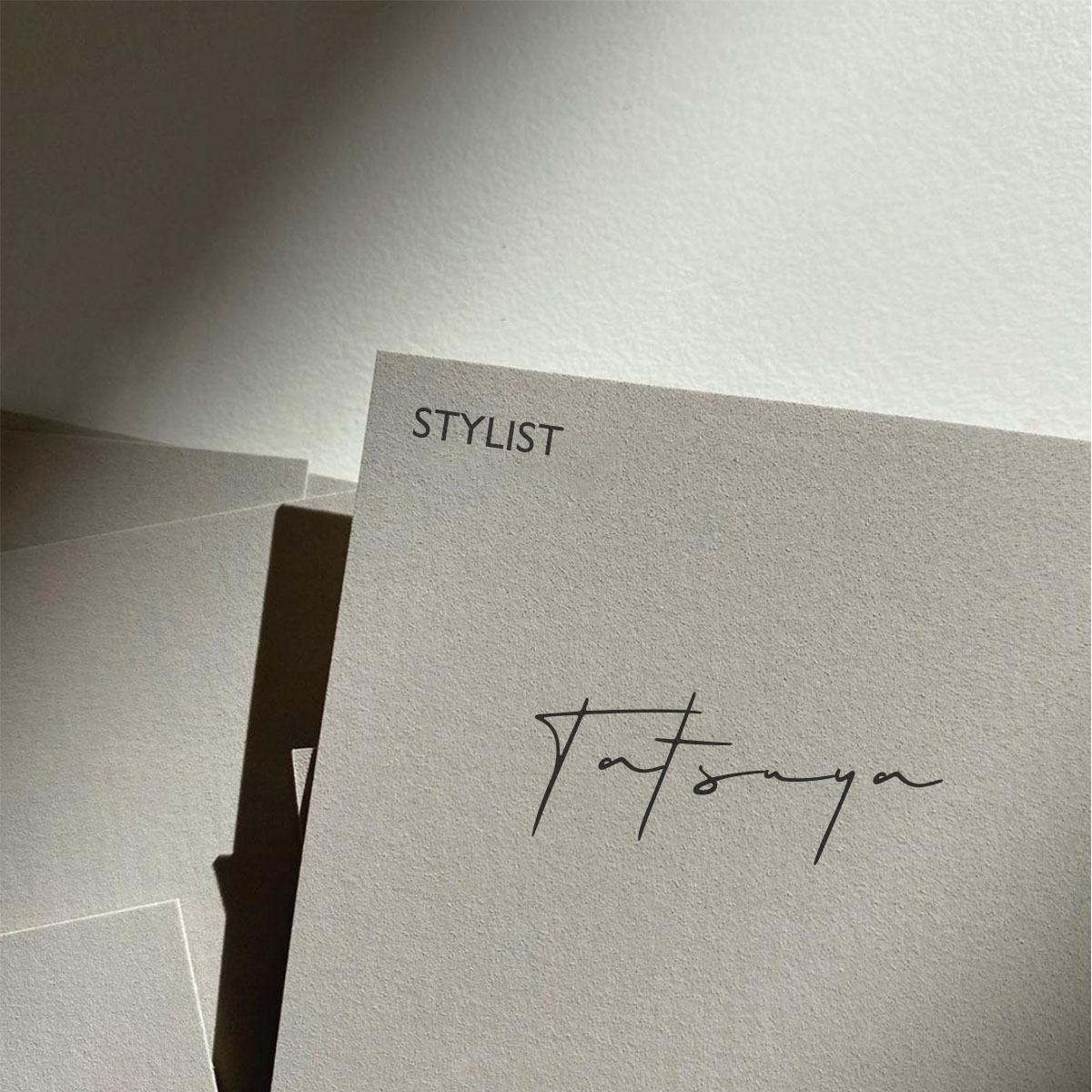 シンプルなのに印象に残るお洒落な名刺を作成します シンプルで美しい名刺をデザインします
