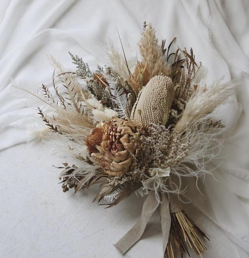 ドライフラワーでプレゼント花束作ります お友達の誕生日、成人式ご結婚式用のドライフラワーなど