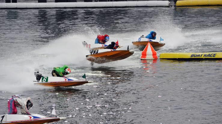 競艇での投資,買い目教えます 競馬や競輪に比べて競艇は当てやすい イメージ1