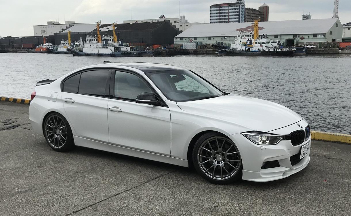 BMW F30イケてるカスタムパーツの提案します BMW F30に最適なカスタムパーツや安価購入方をアドバイス