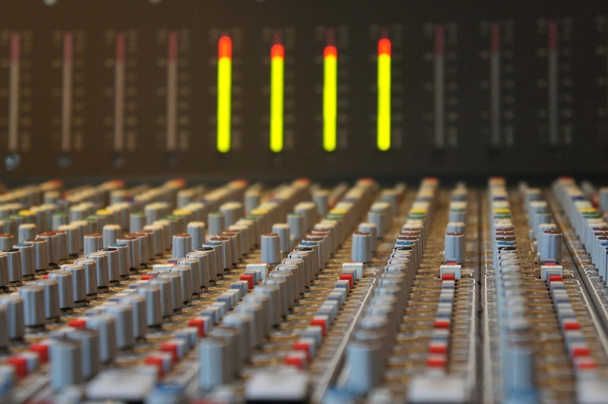 バチバチにマスタリングします 音圧UP!クリアな音質へ!市販CDのような音質に仕上げます イメージ1