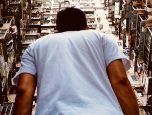 あなたの後ろ姿を撮影します ~ 顔出しすることなく相手に自分をイメージしてもらえる! ~