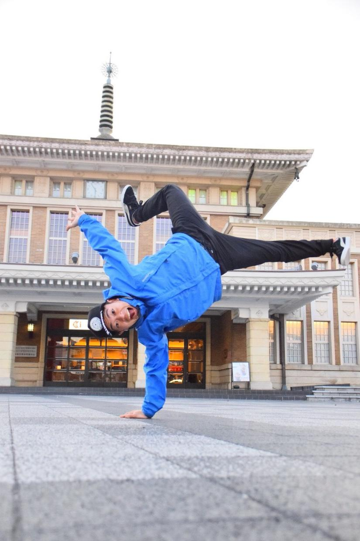ブレイクダンスを納得丁寧にアドバイスします 関西最大テーマパークで働くプロダンサーが、徹底サポート!