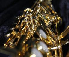 ジャズやポップスのアドリブを耳コピ採譜します 楽譜がない。耳コピもできない。でも演奏したい!そんなあなたへ