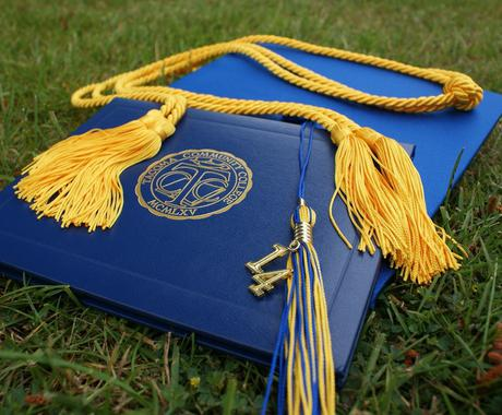 海外でマスターを取得する、大学院留学の相談受けます イギリスで修士号を成績優秀を取得した卒業生が徹底サポート イメージ1