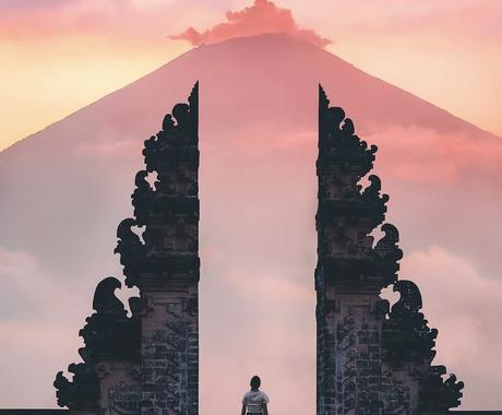 二者択一 YES or NO⁉ 道を示します 霊視+未来視+神タロット 魂の声を聴き、未来を導きます。 イメージ1