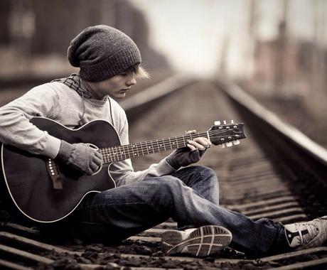 あなたの感情や気持ち、場所のシチュエーションで歌詞をつくります(*^^*) イメージ1