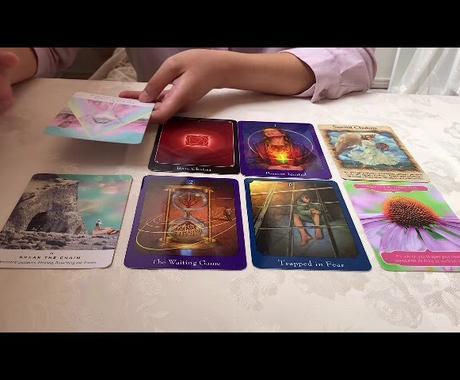 カードリーディング&チャネリングで鑑定します 今のあなたへ必要なメッセージをカードを踏まえて言葉降ろします イメージ1
