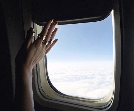客室乗務員のリアルなフライト事情をお伝えします 客室乗務員になる上でのメリット・デメリットが知りたいあなたへ イメージ1