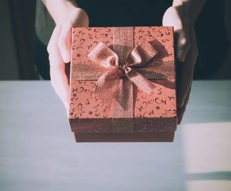 同棲中の彼氏へプレゼントを渡すタイミング教えます 同棲だからこそ悩む!私のサプライズ成功したタイミング教えます イメージ1