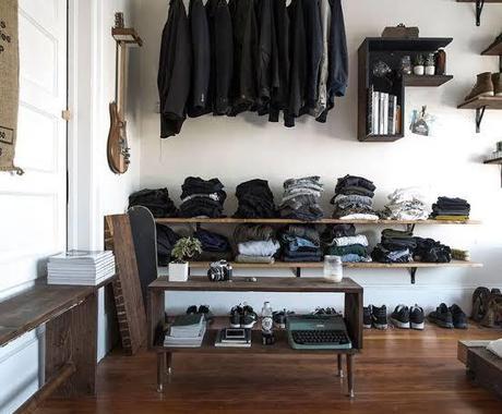 服や靴をオシャレに収納する方法教えます 部屋を見てるだけで楽しめるような部屋にします! イメージ1