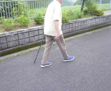 原田式座るケアーでスタスタ歩きの方法教えます 上手く椅子に座れば足腰に力が入り歩行が力強く、しっかり歩行 イメージ1